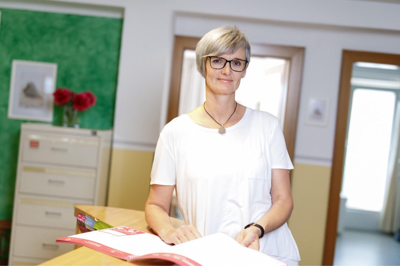 Assistentin Claudia Thiel